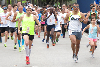 Image: Runners Starting Money Run